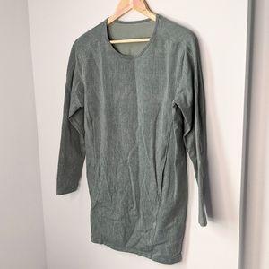 Lululemon comme to cozy dress size 4